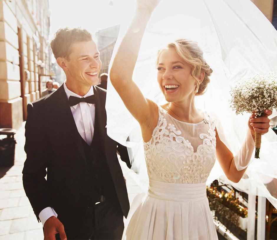 lykkeligt brudepar