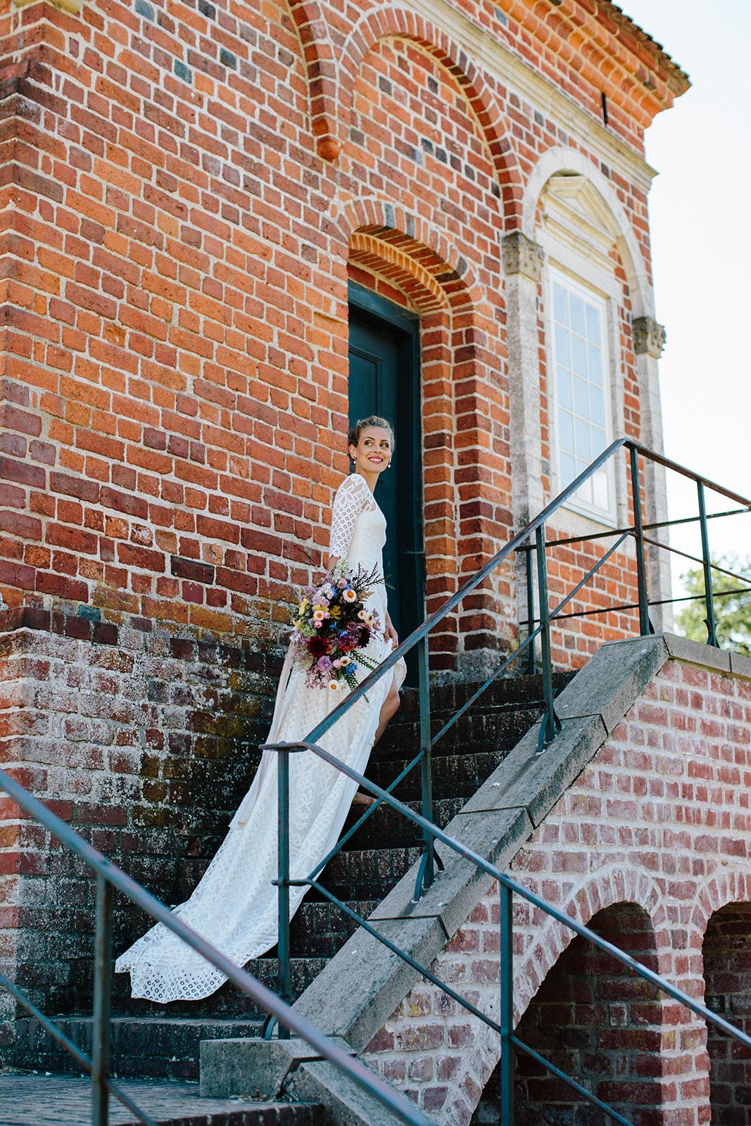 brudehår bytinajakobsen, rosenholm og Say oui brydekjoler og camilla-kirk-photography